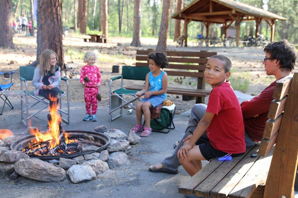 campfire-3929669_1920