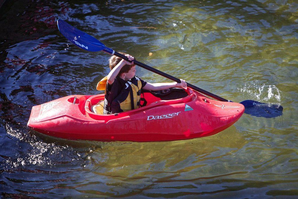 kayak-929919_1920